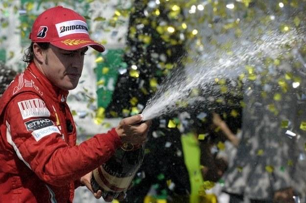 Alonso wierzy w końcowy sukces /AFP