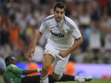 Alvaro Negredo miał trafić do Fiorentiny, a prawdopodobnie zakotwiczy w Hull City /AFP