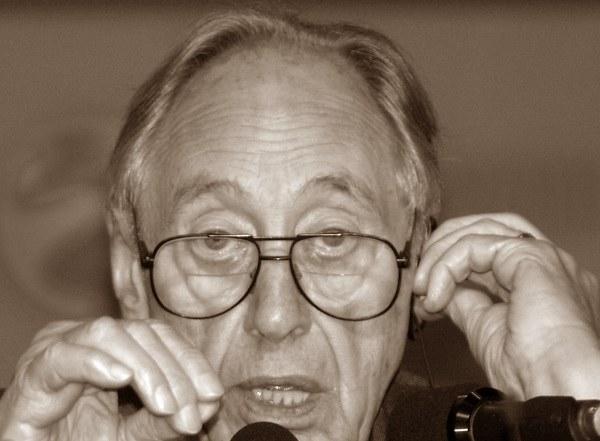 """Alvin Toffler nie żyje. Autor """"Szoku przyszłości"""" miał 87 lat /AFP"""