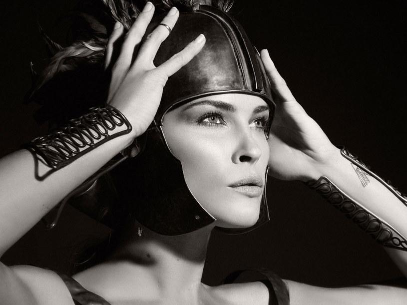 Amerykańska modelka Erin Wasson występuje jako Ajax  /materiały prasowe