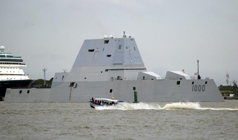 Amerykański niszczyciel Zumwalt /RICARDO MALDONADO ROZO /PAP/EPA