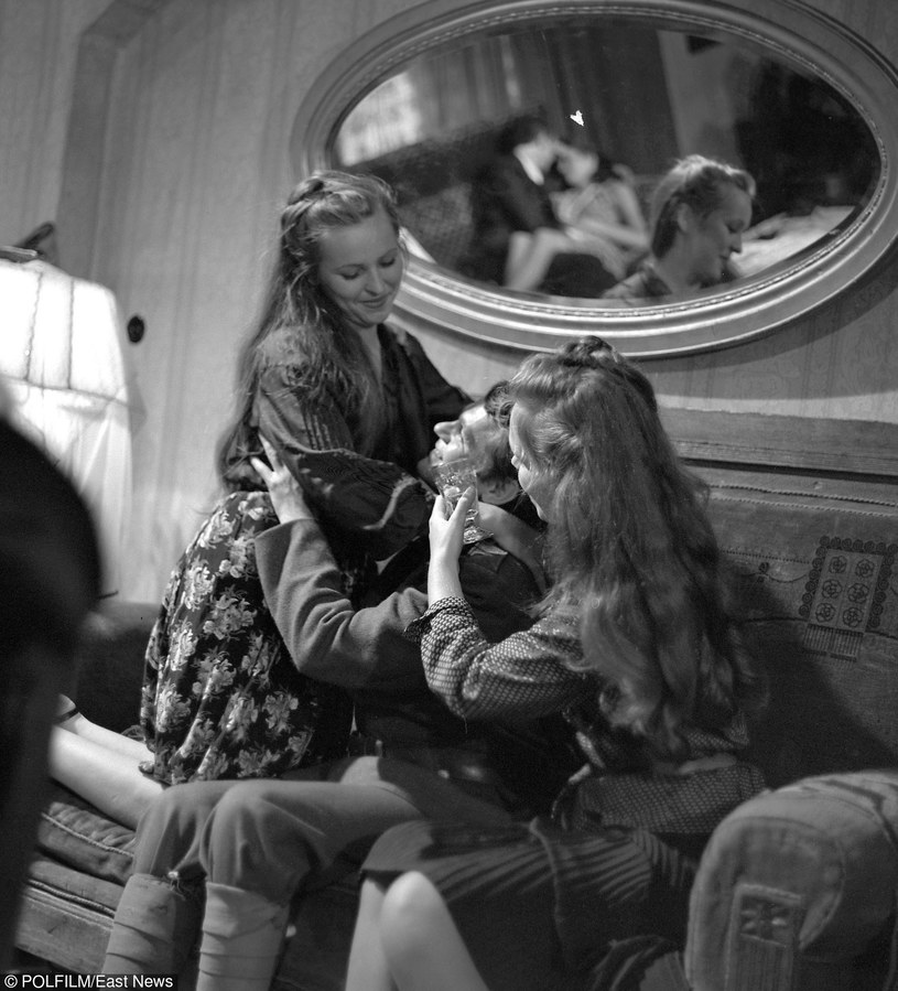 """""""Amnestia"""", polski film z 1981 w reżyserii Stanisława Jędryka. Zdjęcia: Mieczysław Jahoda /East News"""