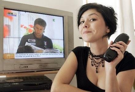 Analogowy sygnał telewizyjny ma całkowicie zniknąć do 2013 roku /AFP