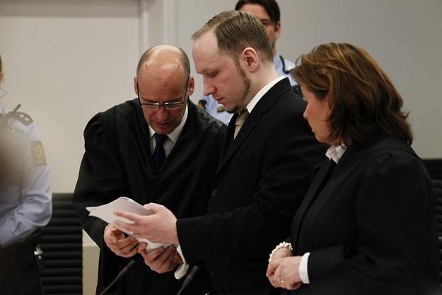 Anders Breivik na sali sądowej w Oslo /PAP/EPA
