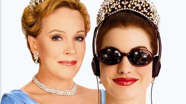 """Anne Hathaway i Julie Andrews spotkały się już wcześniej na planie """"Pamiętników księżniczki"""" /materiały prasowe"""