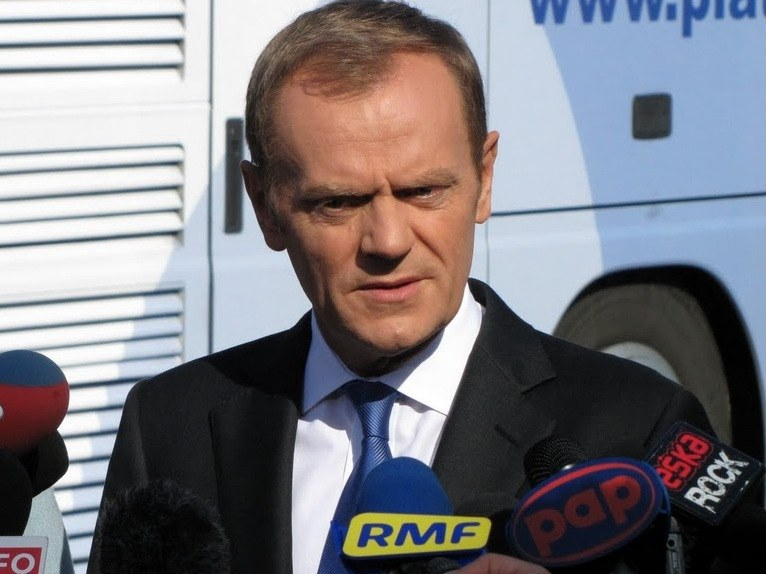 Donald Tusk podczas briefingu prasowego /Michał Dukaczewski /RMF FM