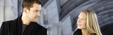 """""""Fringe"""": Czy coś zaiskrzy między Peterem a Olivią? /FOX /materiały prasowe"""