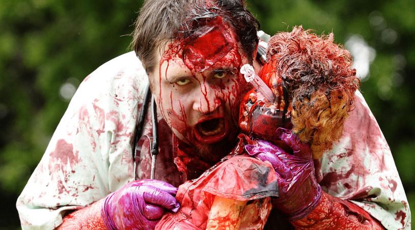 Jeden z uczestników parady zombie w Sydney, która odbyła się dwa tygodnie temu /Brendon Thorne /Getty Images/Flash Press Media