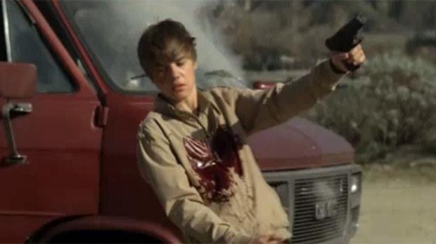 """Justin Bieber w """"CSI"""" pada od kul policjantów /YouTube"""