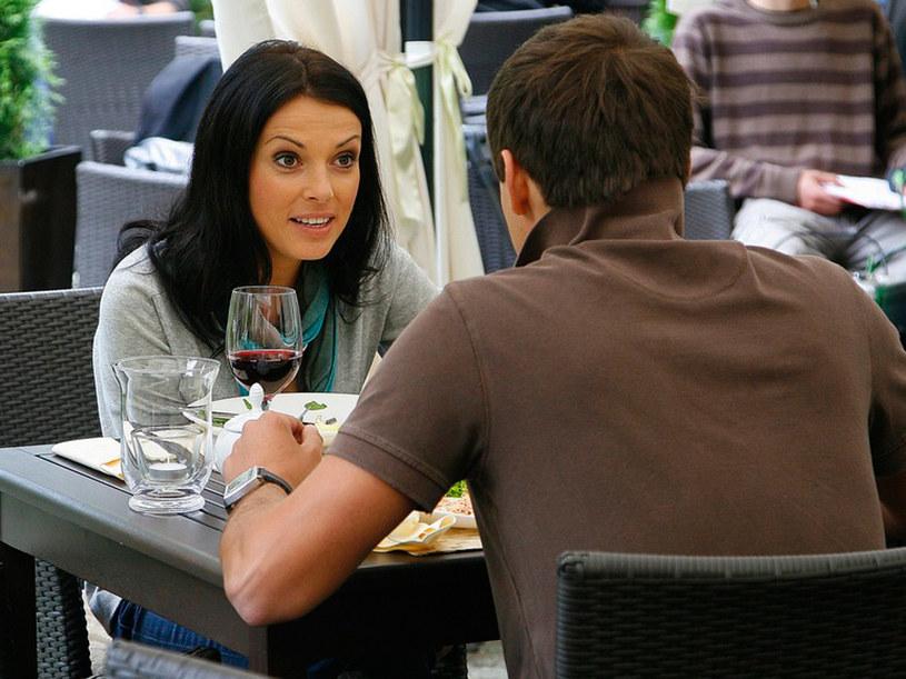 Kiedy Ksawery (Sebastian Cybulski) i Kasia (Katarzyna Glinka)  w końcu się spotkają, będą musieli sobie wiele spraw wyjaśnić. /Jarosław Wojtalewicz /AKPA