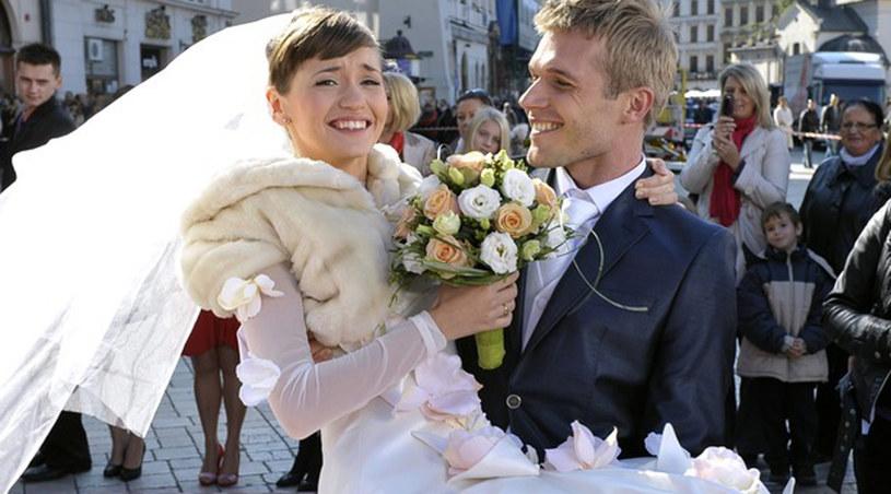 Majka (Joanna Osyda) wyjdzie wreszcie za mąż za Michała (Tomasz Ciachorowski) /Agencja W. Impact
