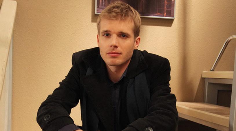 Michał (Tomasz Ciachorowski) za wszelką cenę chce rozwodu z Olą /Agencja W. Impact