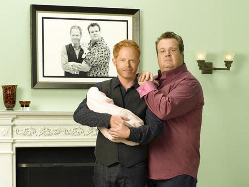 """Mitchell Pritchett  oraz Cameron  to przykładni rodziece z """"Modern Family"""" /materiały prasowe"""