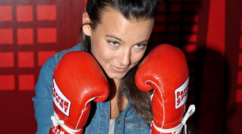 """Na potrzeby serialu """"Prosto w serce"""" Anna Mucha stoczyła trzy walki bokserskie /Agencja W. Impact"""