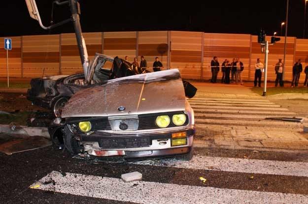 Policjanci wyjaśniają dopiero okoliczności wypadku /PAP