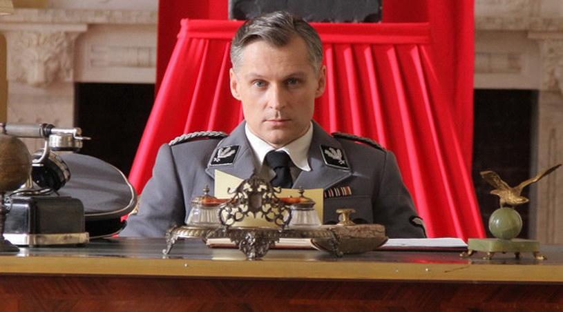 Robert Kozyra prezentuje się dość demonicznie w roli gestapowca /Agencja W. Impact
