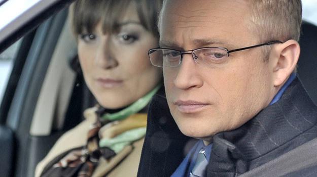 Sądząc po tym, jak Andrzej (Piotr Adamczyk) dba o ciężarną Beatę (Maja Ostaszewska), można uznać, że wreszcie dojrzał do roli ojca.