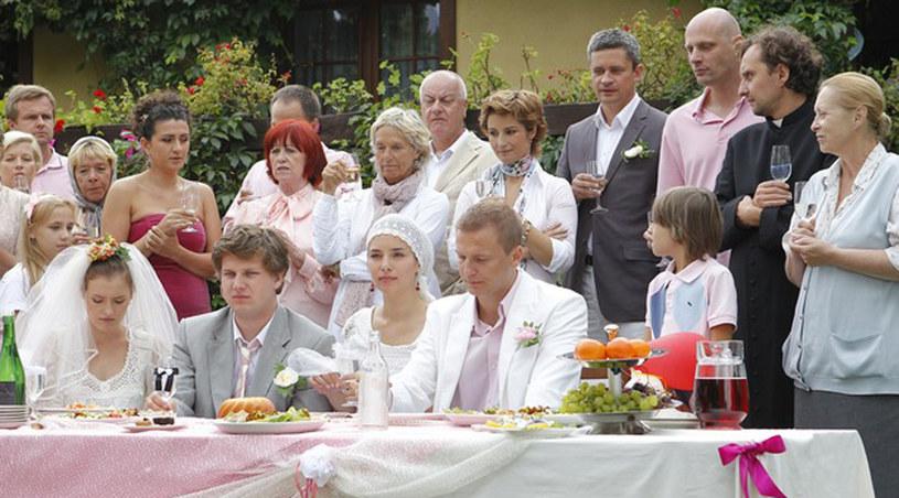 """Ślub na planie """"Miłości nad rozlewiskiem"""" /AKPA"""