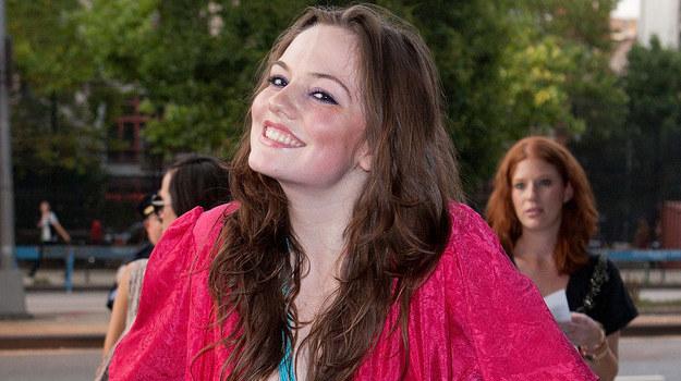 """Uśmiechnięta Emily Meade, którą niedługo zobaczymy w serialu """"Fringe"""" /AFP"""