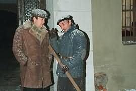 """Zbigniew Buczkowski (Henio) i Jerzy Bończak (Prokop, """"partacz i konfident"""") /filmpolski.pl /"""