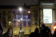 """""""Rządzie, publikuj!"""". Protest przed kancelarią premiera"""
