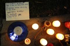 """""""We will always love you"""". Fani opłakują Whitney Houston"""