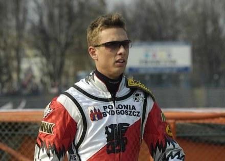 Andreas Jonsson swoją postawą nie tylko na torze udowodnił, że jest prawdziwym liderem Polonii /Tomasz Szatkowski