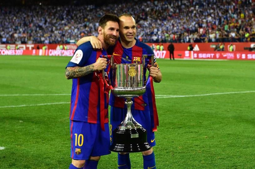 Andres Iniesta (P) i Lionel Messi (L) /AFP