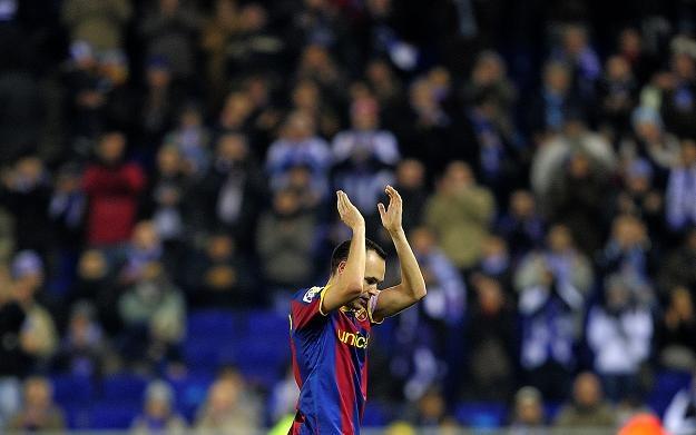 Andresa Iniestę schodzącego z boiska żegnał aplauz kibiców Espanyolu /AFP