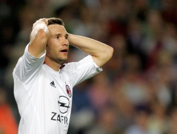 Andrij Szewczenko zdobył gola prawidłowo! Innego zdania był Markus Merk /AFP