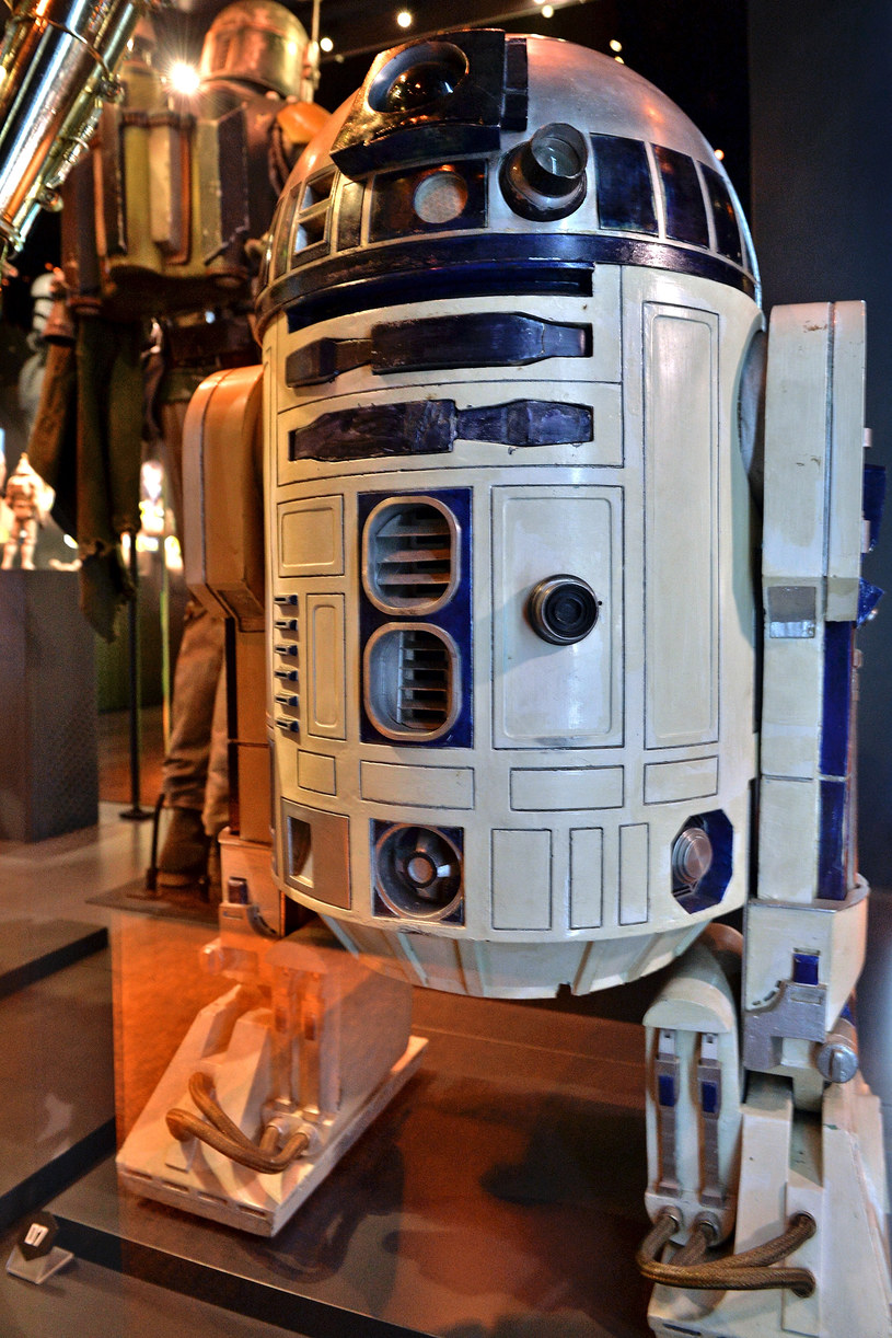 Android R2-D2 /Sascha Steinbach /Getty Images
