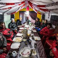 Andrzej Bargiel czeka na poprawę pogody pod K2