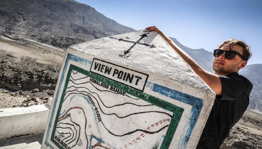 Andrzej Bargiel w miejscu, gdzie schodzą się trzy pasma górskie: Himalaje, Karakorum i Hindukusz