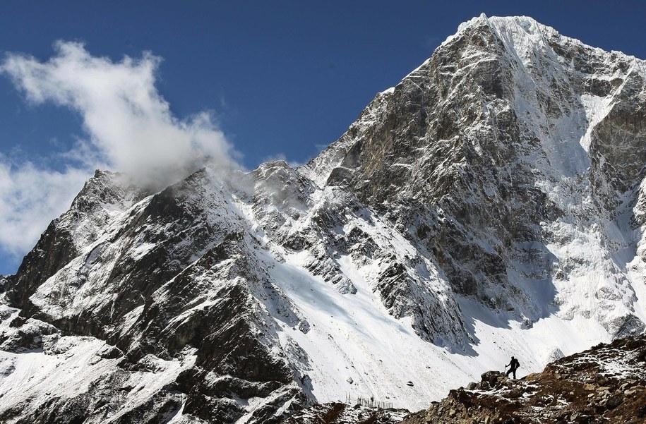 Andrzej Bargiel wraca w Himalaje / David Cheskin    /PAP/EPA