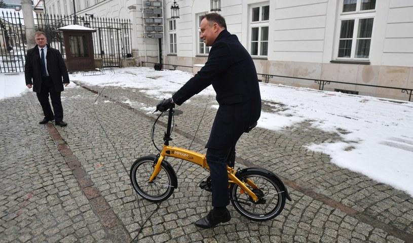 Andrzej Duda podczas prezentacji polskich pojazdów elektrycznych /Bartłomiej  Zborowski /PAP