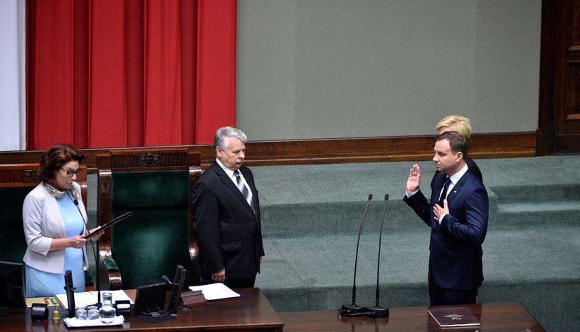 Andrzej Duda podczas składania przysięgi prezydenckiej /Jacek Turczyk /PAP