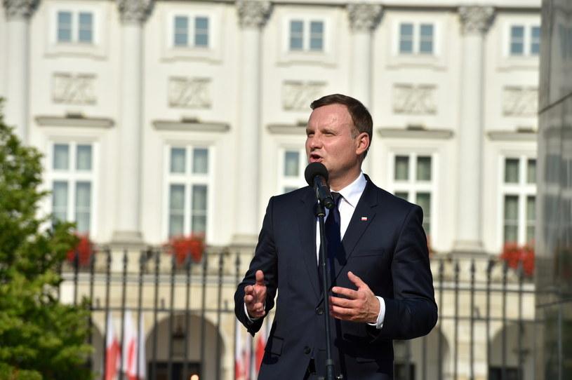 Andrzej Duda przed Pałacem Prezydenckim /Jacek Turczyk /PAP