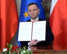 Andrzej Duda wręczył Ordery Orła Białego. Wśród odznaczonych Szewińska, Półtawska, Lorenc, Wildstein