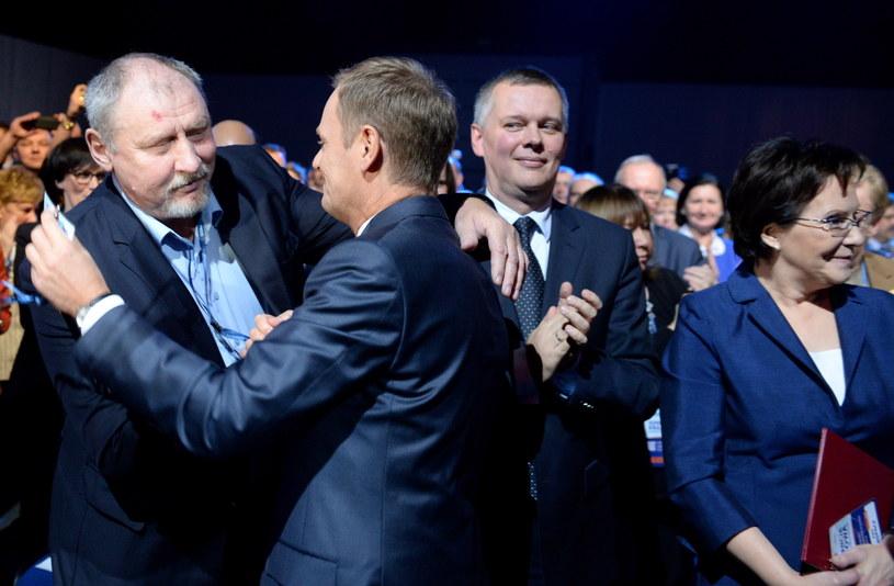 Andrzej Grabowski i Donald Tusk podczas konwencji /Jacek Turczyk /PAP