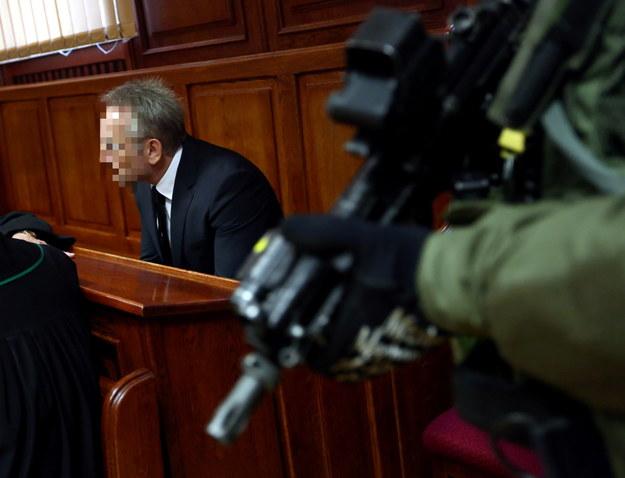 Andrzej Z., ps. Słowik (L) na sali sądowej /Tomasz Gzell /PAP