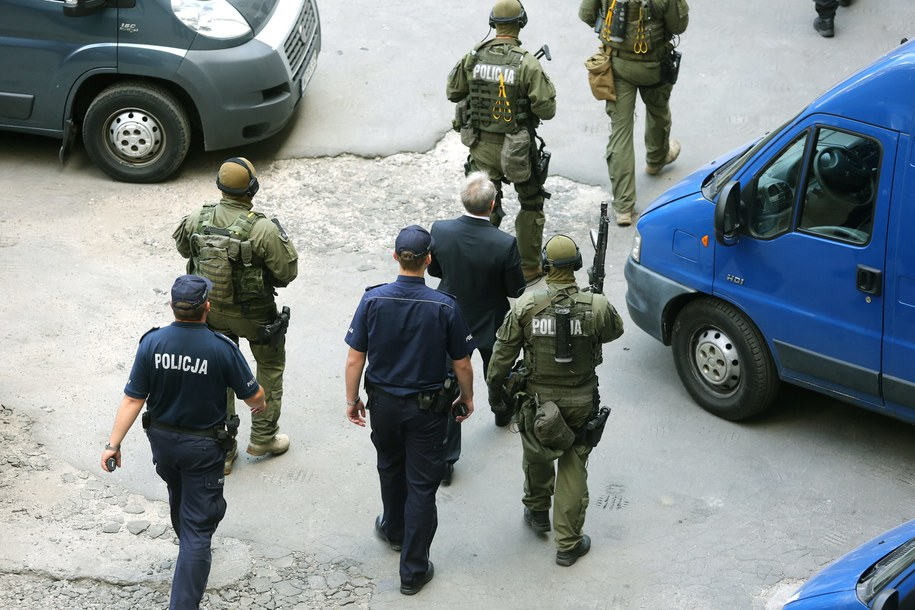 Andrzej Z., ps. Słowik opuszcza budynek sądu po zakończeniu rozprawy /Tomasz Gzell /PAP