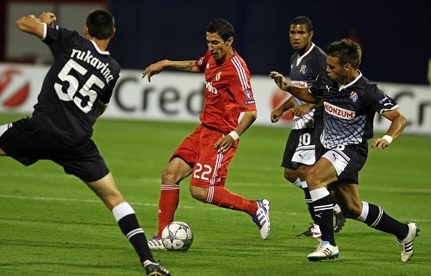 Angel di Maria (czerwony strój) strzelił w środę gola /PAP/EPA