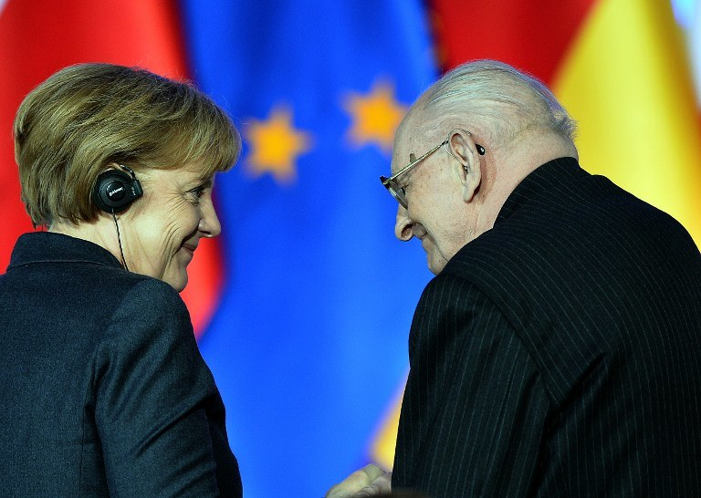 Angela Merkel i Władysław Bartoszewski /AFP
