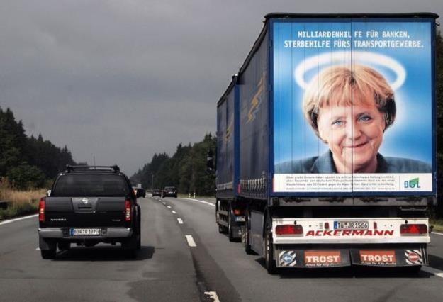 """Angela Merkel najpierw mówiła """"nie"""". Ale to przecież polityka... /AFP"""