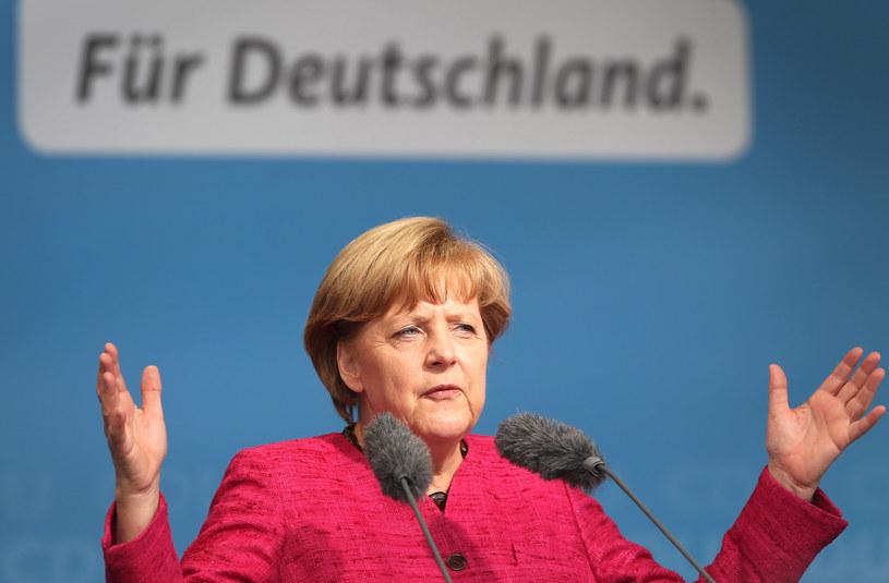 Angela Merkel postanowiła bardziej zatroszczyć się o bezpieczeństwo niemieckich internautów /AFP