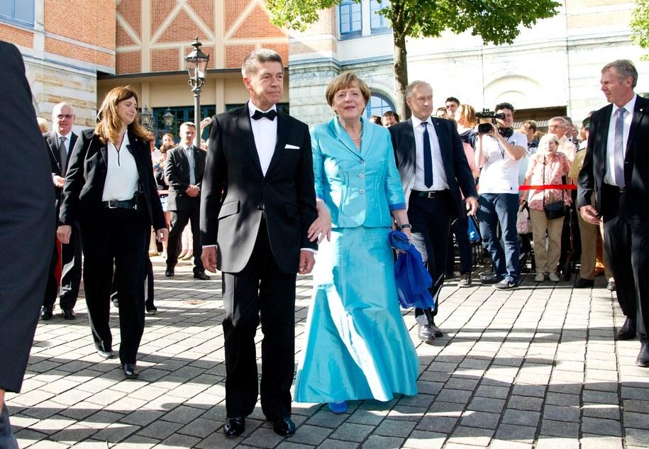 Angela Merkel z mężem Joachimem Sauerem /Tobias Hase /PAP/EPA