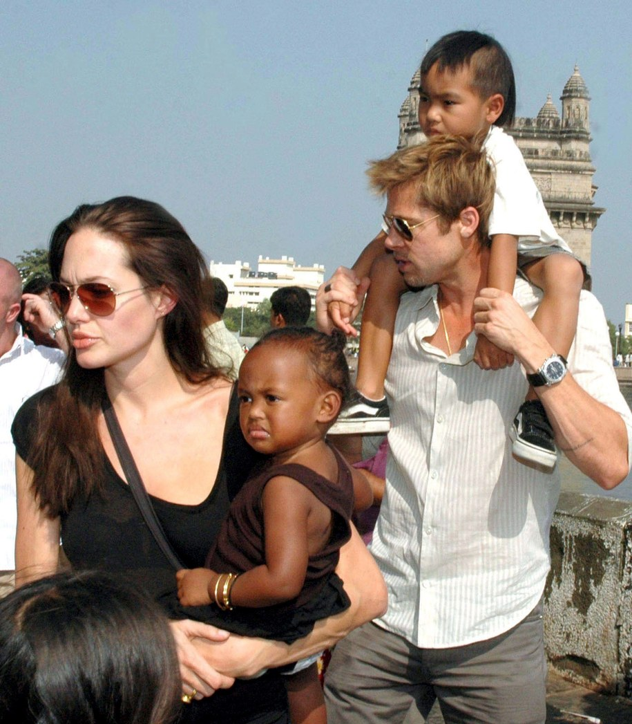 Angelina Jolie i Brad Pitt mają 6 dzieci /STR /PAP/EPA
