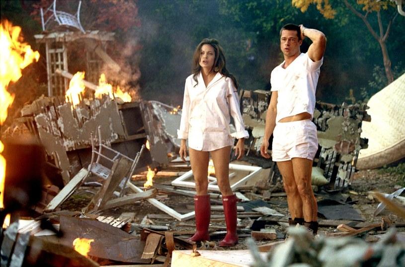 "Angelina Jolie i Brad Pitt na planie filmu ""Pan i pani Smith"" /Everett Collection /East News"