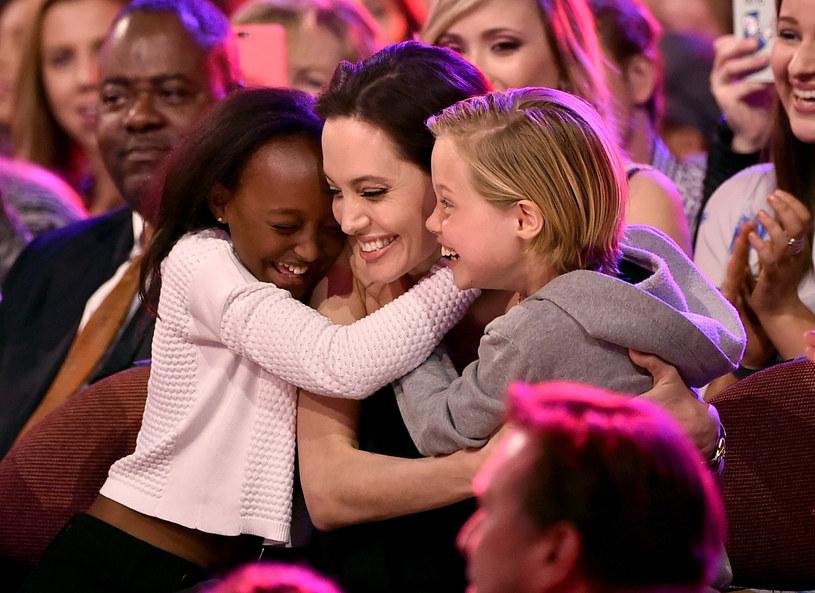 Angelina Jolie z córkami /Kevin Winter /Getty Images