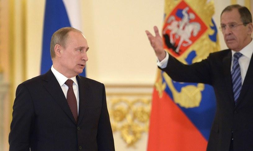 - ani oddzielnie sankcje amerykańskie ani oddzielnie sankcje europejskie nie byłyby dla Rosji tak dolegliwe. /AFP